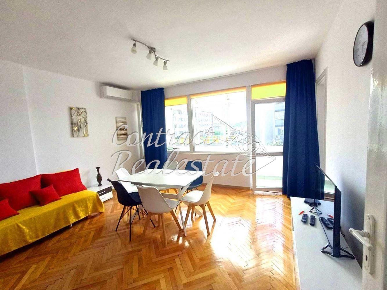 Тристаен апартамент  във  Варна за 650  лв - Отдава под наем 3-стаен