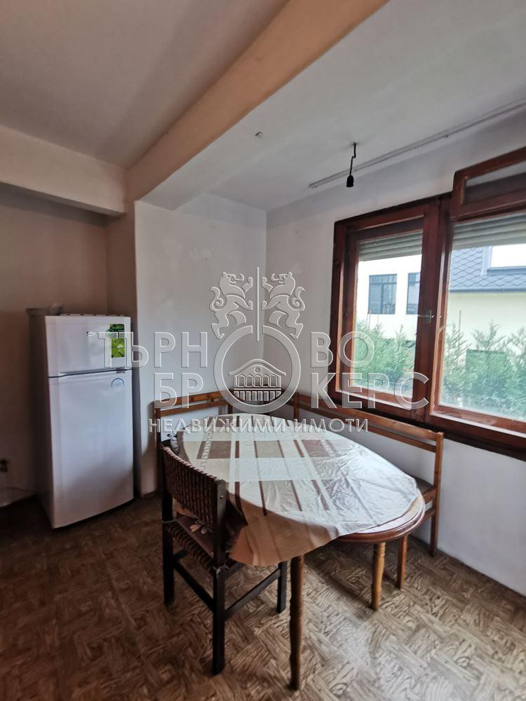 Двустаен апартамент  във  Велико Търново за 260  лв - Южна гарсониера