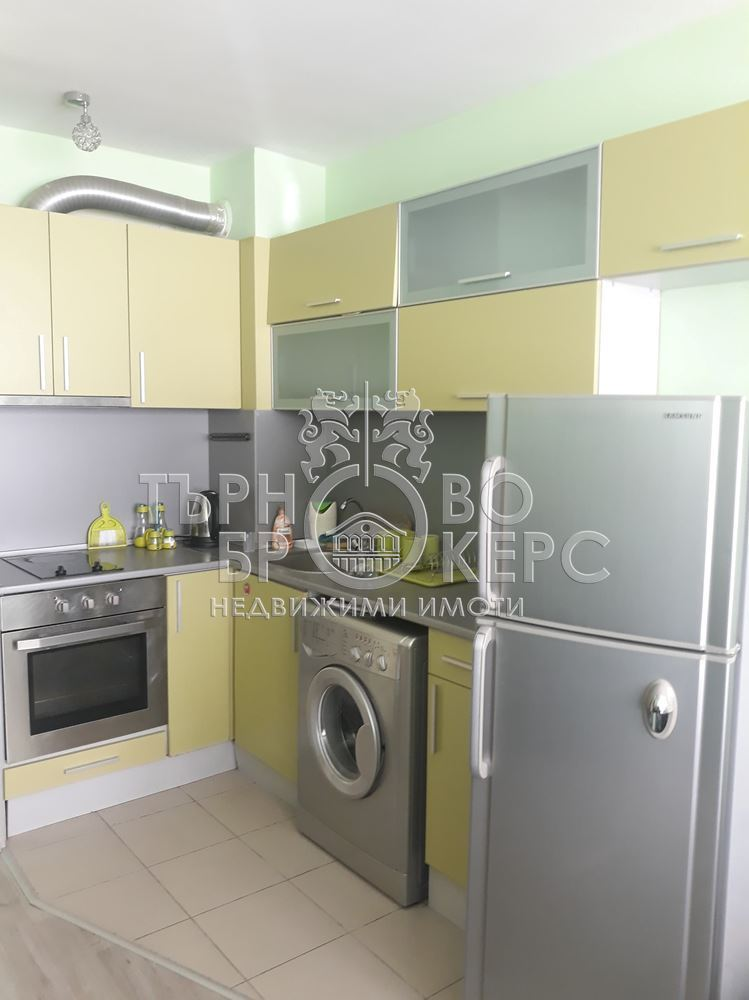 Двустаен апартамент  във  Велико Търново за 400  лв - Двустаен южен