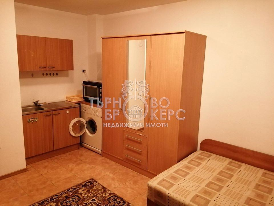 Боксониера  във  Велико Търново за 250  лв - Едностаен апартамент под
