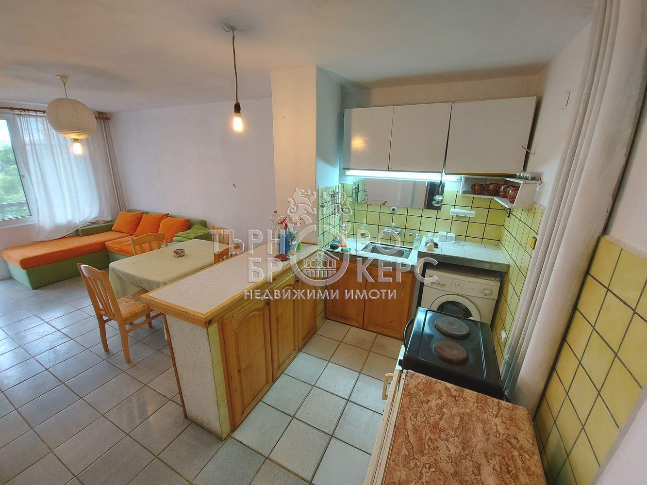 Тристаен апартамент  във  Велико Търново за 320  лв - Тристаен тухлен