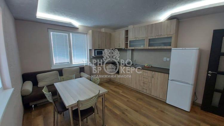 Тристаен апартамент  във  Велико Търново за 450лв - Отдава под наем
