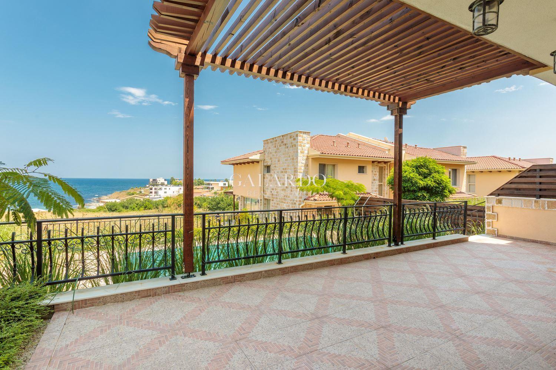 Къща за продажба в к.к. Лозенец с удивителна морска  гледка и перфектна локация