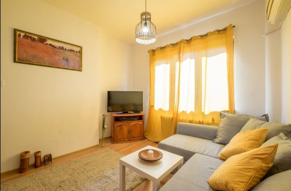 Уютен апартамент с две спални до градинката на НДК