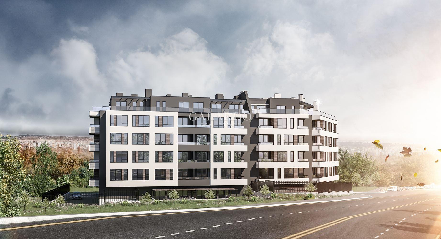 Просторен  апартамент с  две спални и обширна тераса с изключителна панорама до НБУ