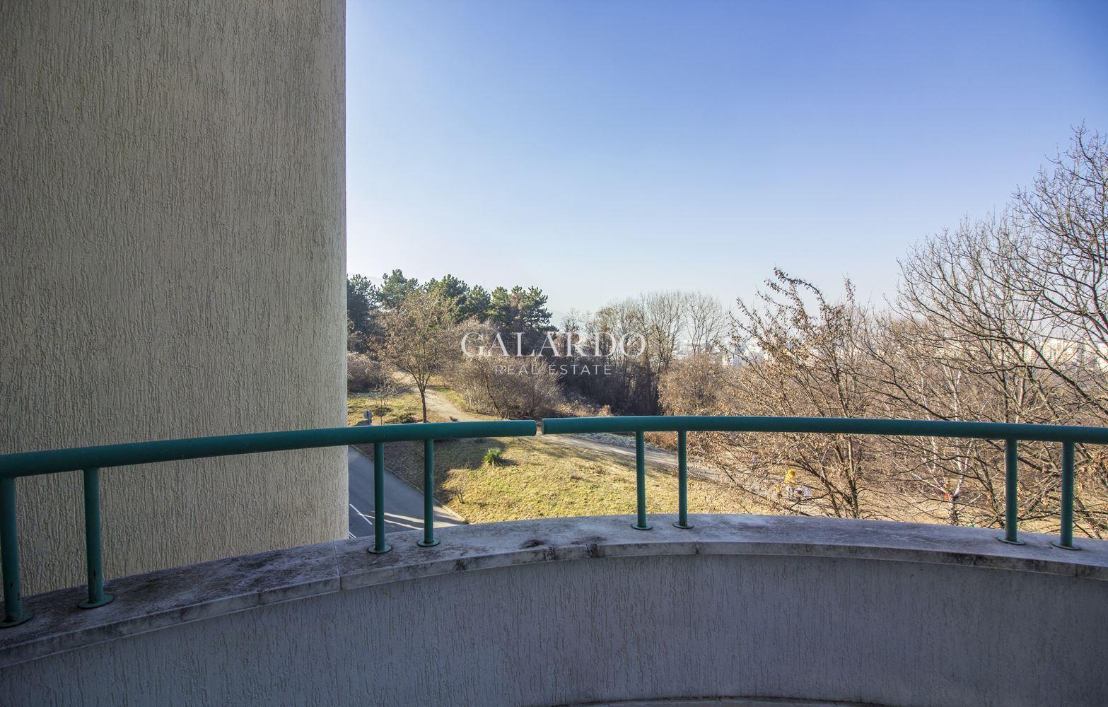 Дизайнерски апартамент с две спални и уникална панорама при входа на Южен парк, кв.Лозенец