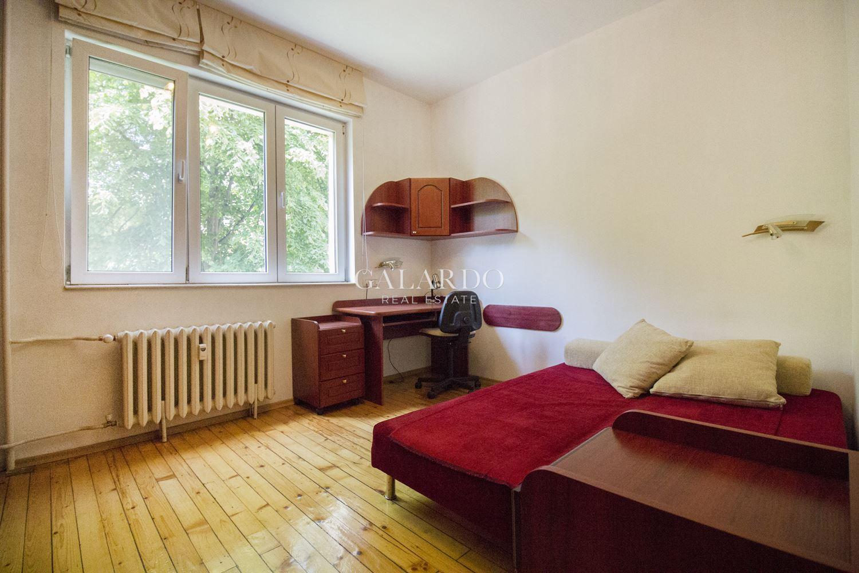 Тристаен апартамент под наем на ул. Граф Игнатиев