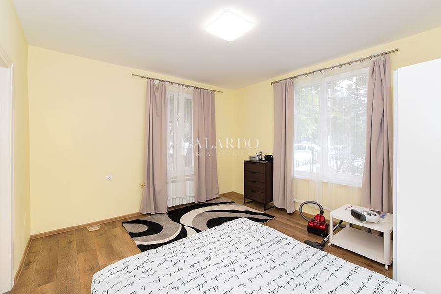 Furnished One Bedroom Apartment And Yard Next To Orlov
