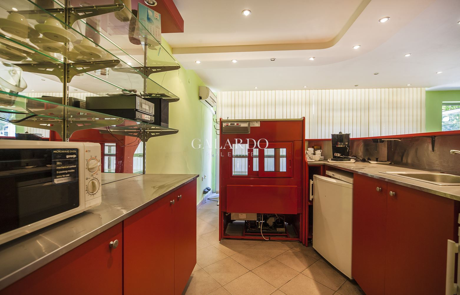 Equipped bar-cafe for rent in Studentski grad