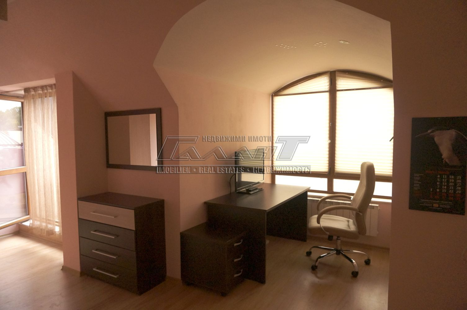 Двустаен апартамент  във  Варна за 514  лв - Отдава под наем 2-стаен